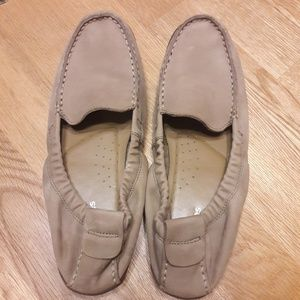 Hush Puppies Women's Tan Slip-on Shoes Size 10 M